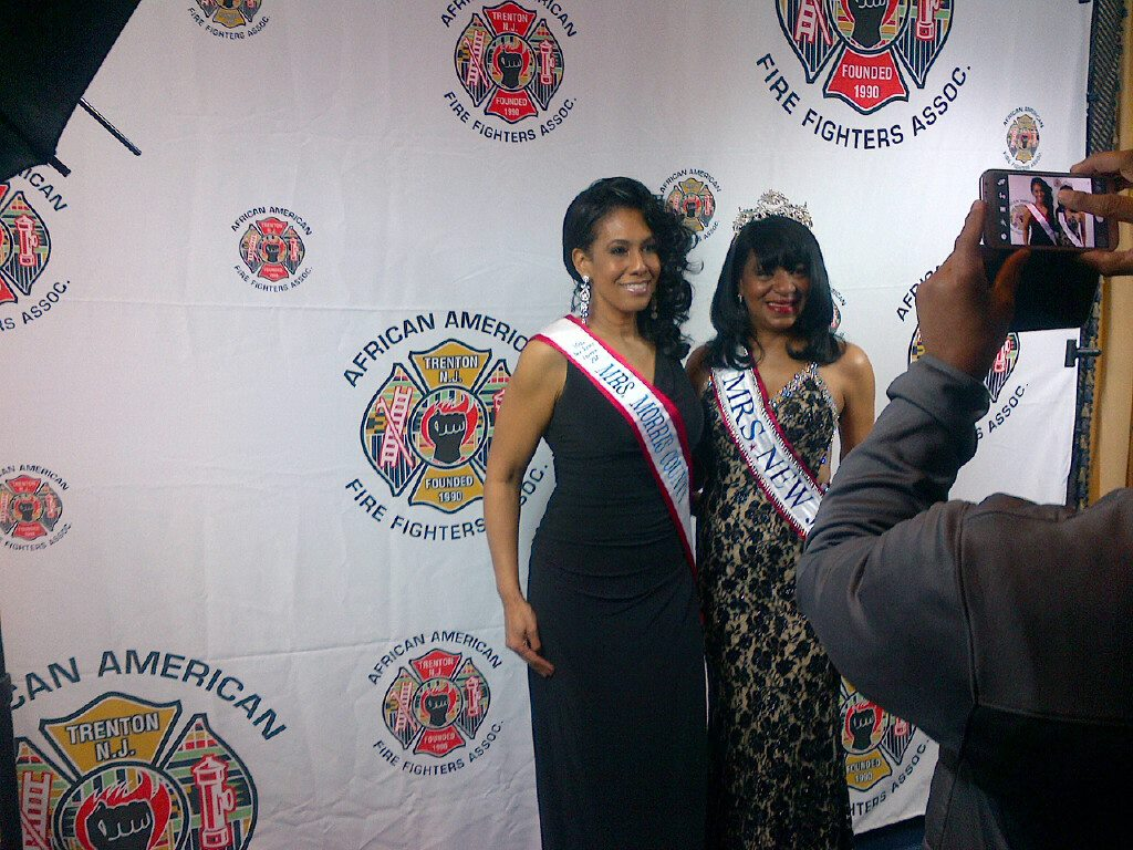 Mrs. Morris County & Mrs. New Jersey pose for a photo